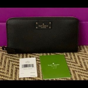 NWT last one❤️Auth Kate Spade Black leather wallet